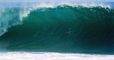 How do tidal waves affect earthquakes?