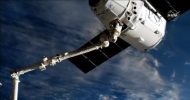 SpaceX reusable capsule reaches space station for the third time