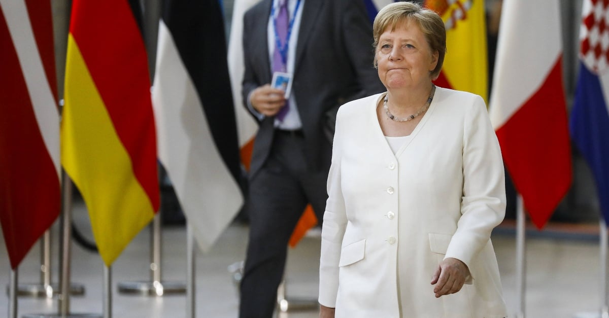 Merkel expects tough struggle for Juncker succession