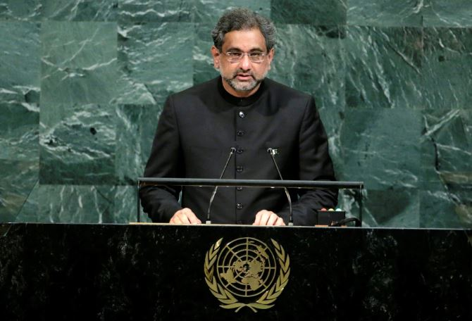 Pakistan: Former PM Shahid Khaqan Abbasi detained with corruption allegations
