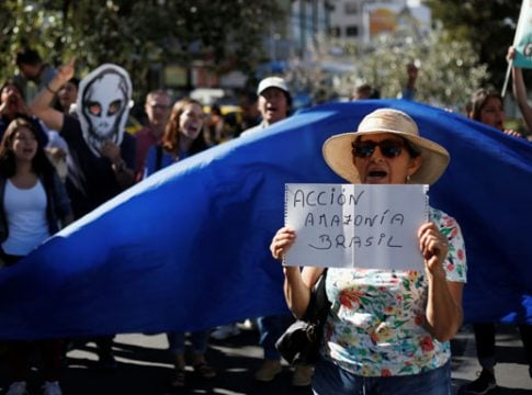 Thousands of Brazilians take to the streets against government on Amazon forest fires