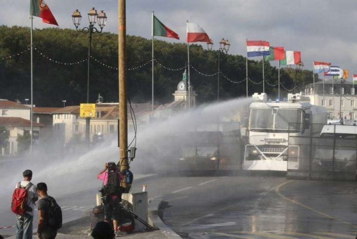Riots in protests against G-7 summit in Biarritz