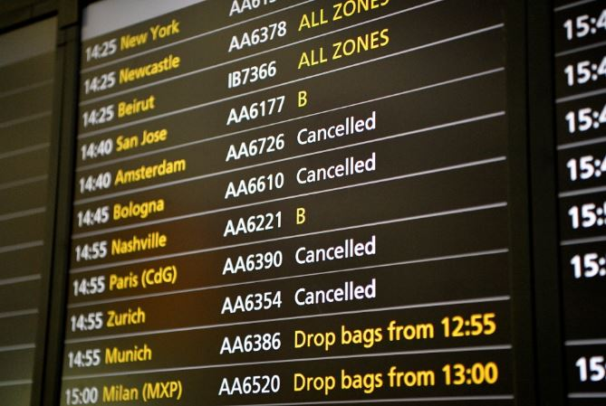 British Airways cancels 100 flights at Gatwick and Heathrow airports