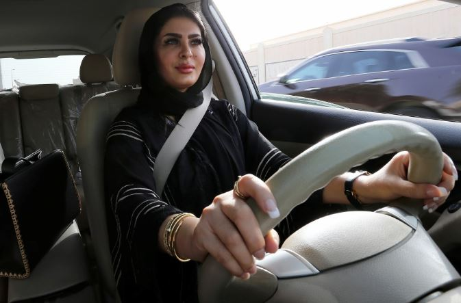 Saudi women allowed to travel without the guardian