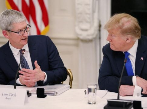 Trump calls on Apple to leave China