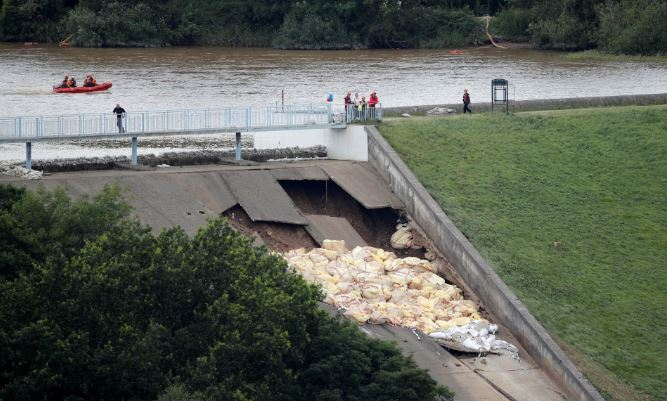 Hundreds of Britons evacuated amid fears Toddbrook dam collapse