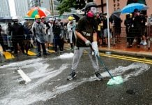 Hong Kong: China warns intervention if protest escalates