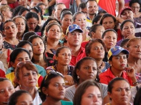 Canada allows Venezuelans to stay in the country even if their passports expired