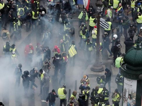 French police arrest 90 demonstrators during Yellow Vest protests