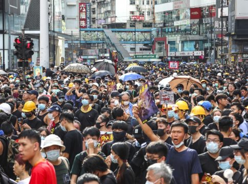 Protesters in Hong Kong convey their message to the US consulate