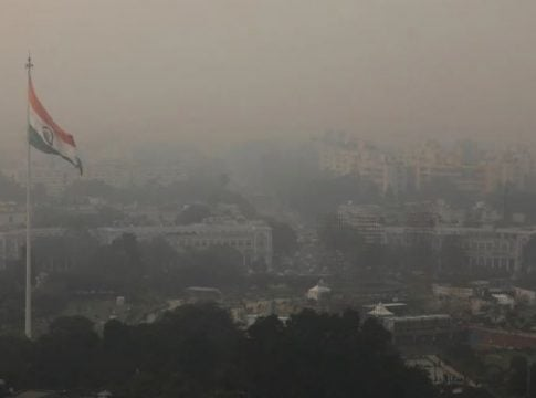 Worst pollution in Delhi: Doctors and residents urged authorities to shut the schools and sports events