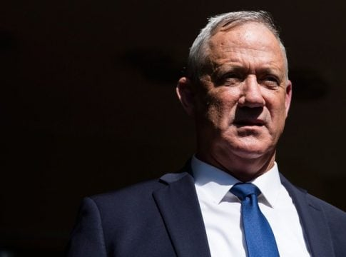 Gantz will meet Yisrael Beiteinu party head to avoid new elections