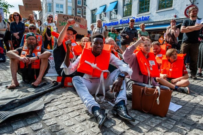 Nearly five million unauthorized migrants lives in Europe