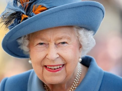 Queen Elizabeth is looking for a new manager for family trips